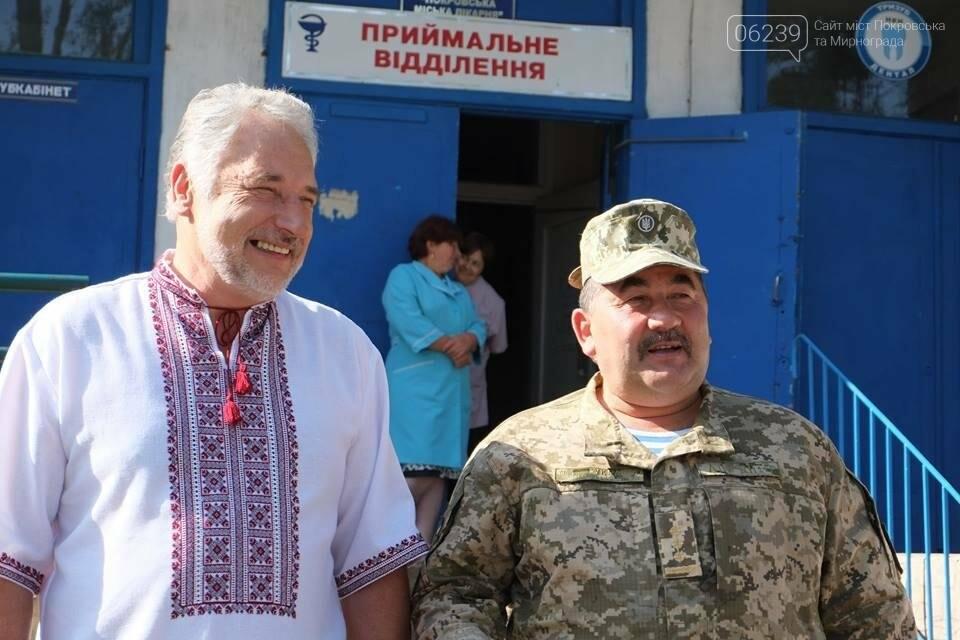 В Покровске Павел Жебривский посетил военный мобильный госпиталь, фото-5