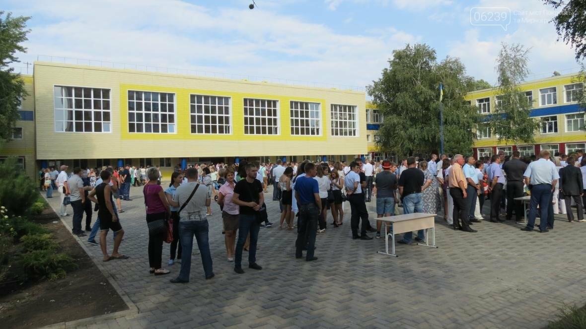 В Покровске при участии Президента Украины Петра Порошенко открыли опорную школу, фото-11