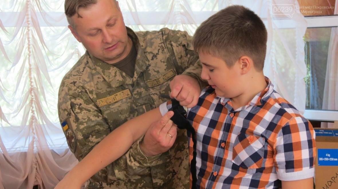В Покровске военные медики провели интересную лекцию для школьников, фото-8