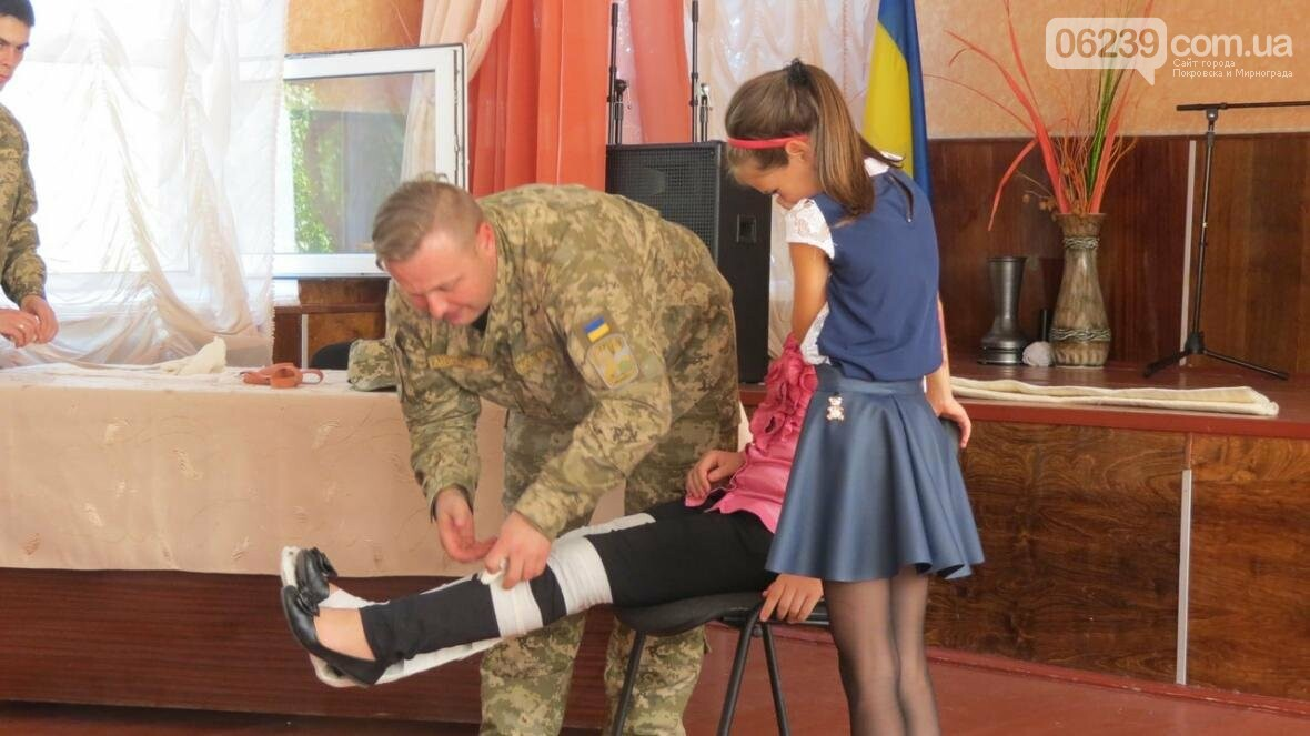 В Покровске военные медики провели интересную лекцию для школьников, фото-9