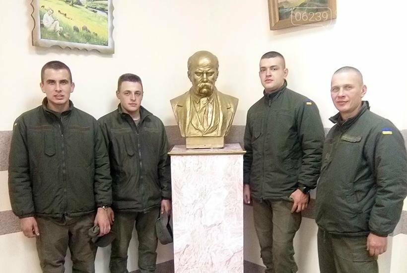В Покровске гвардейцы 3-й бригады посетили литературное мероприятие «Современные герои Украины», фото-1