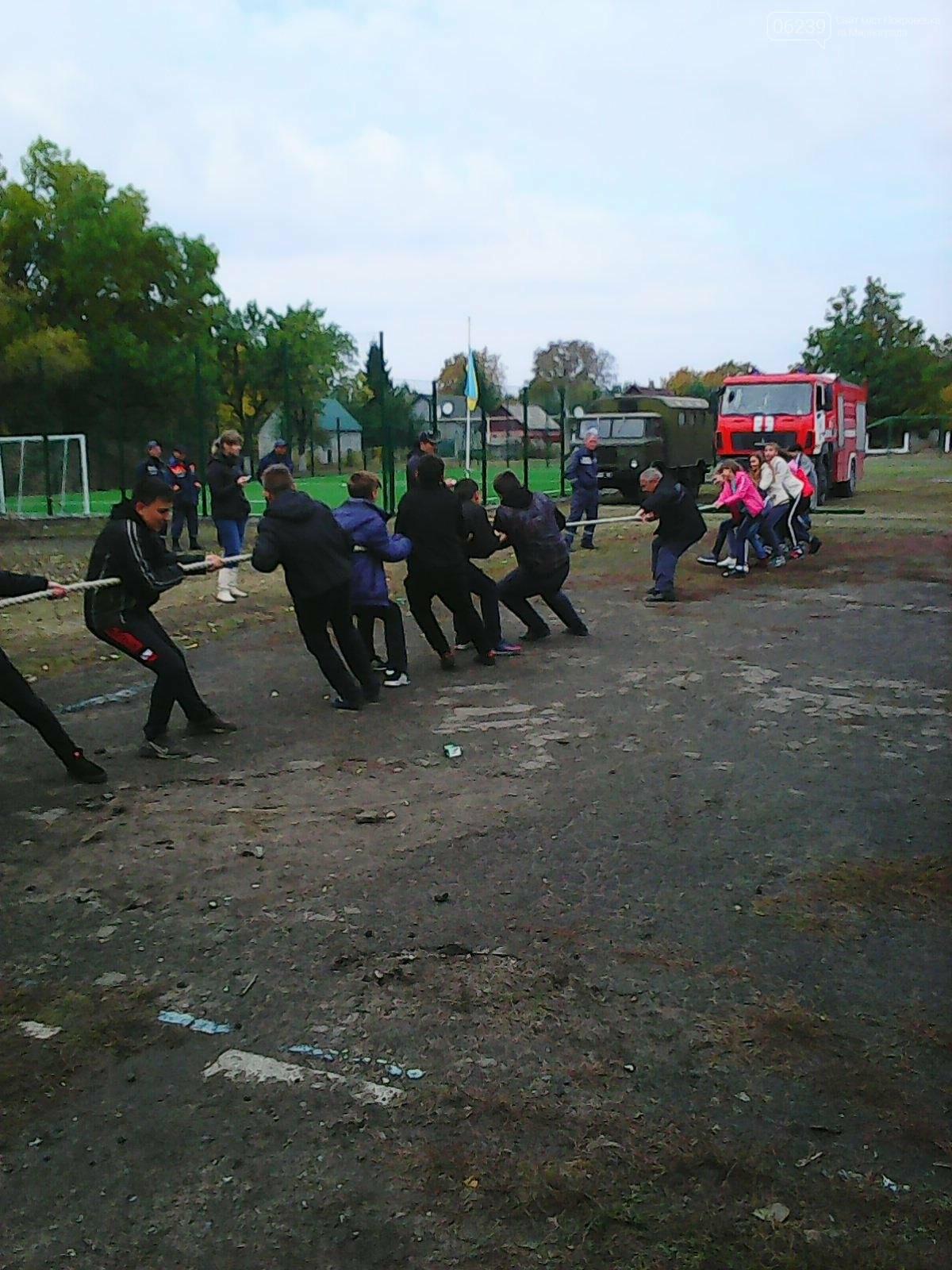 У Родинському пройшли змагання з армспорту, дартсу та перетягування канату, фото-3