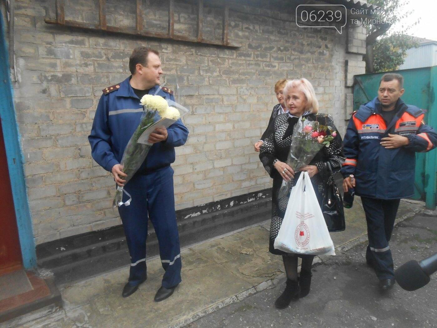 В Покровске спасатели поздравили ветерана пожарной охраны с 90-летним юбилеем, фото-1