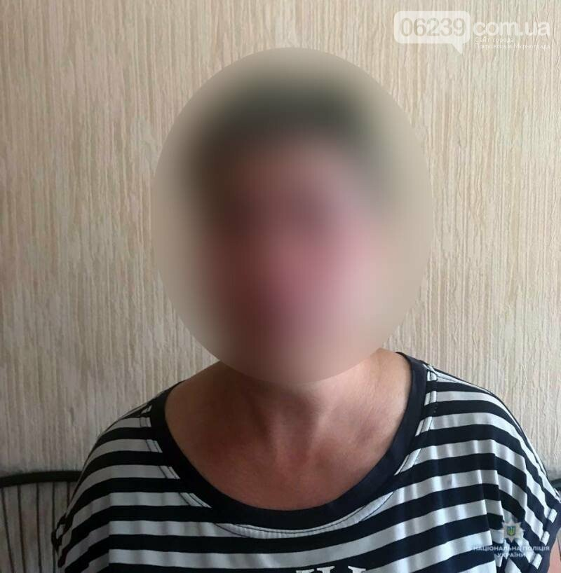 У Покровську затримали жінку, яка під час викрадання квітів «засвітилася» на камерах відеоспостереження, фото-1