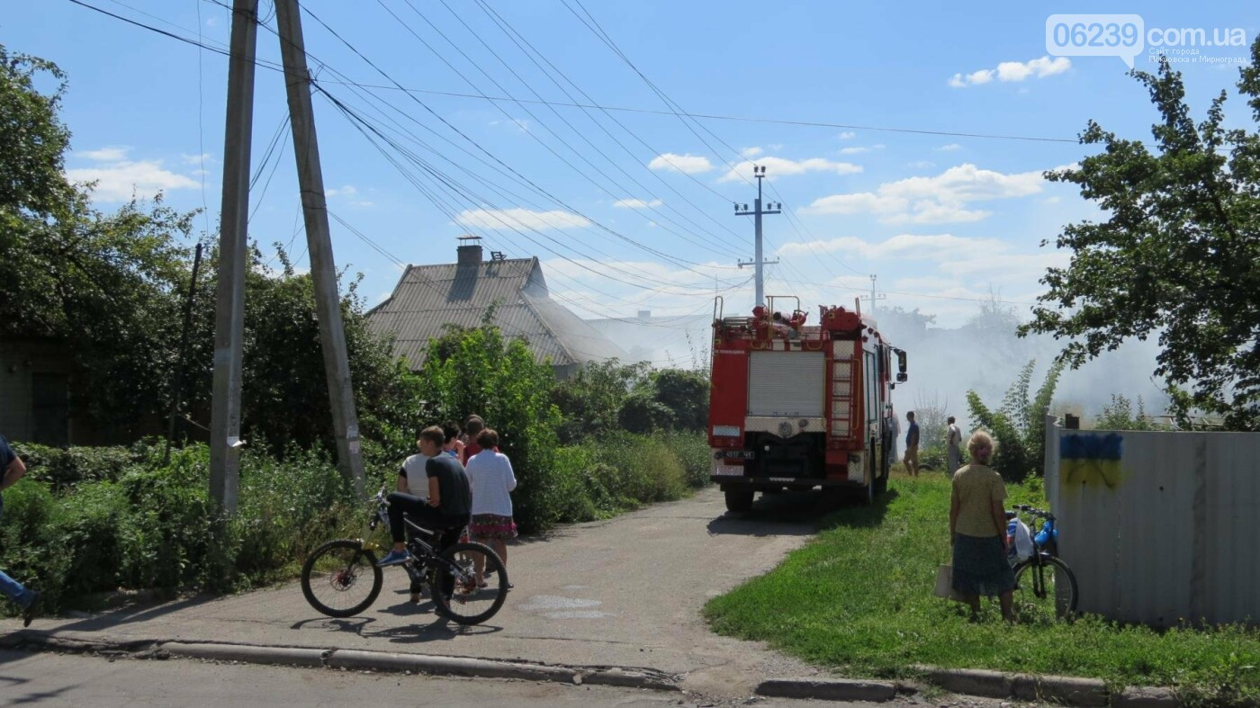 В Покровске горит жилой дом, фото-21