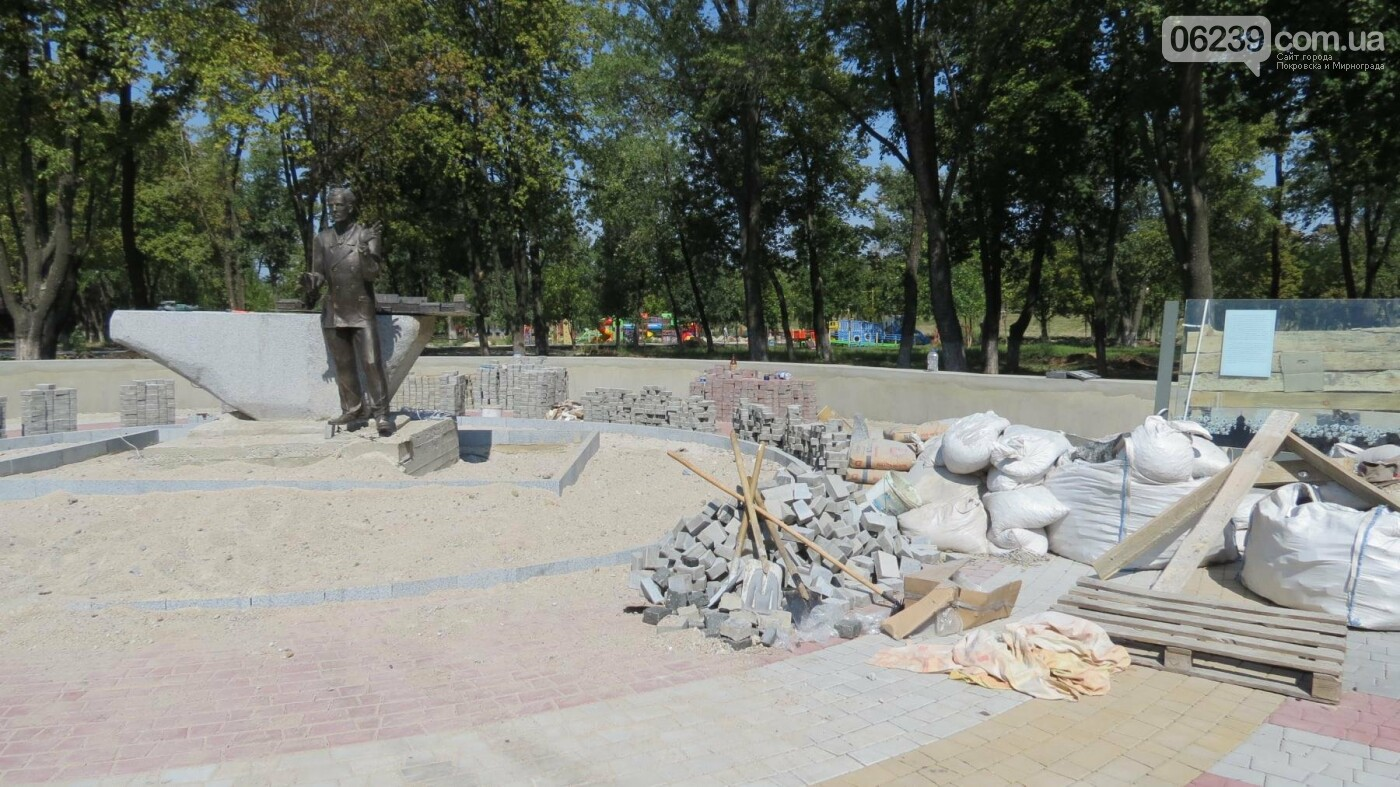 В Покровске устанавливают памятник композитору Николаю Леонтовичу, фото-5