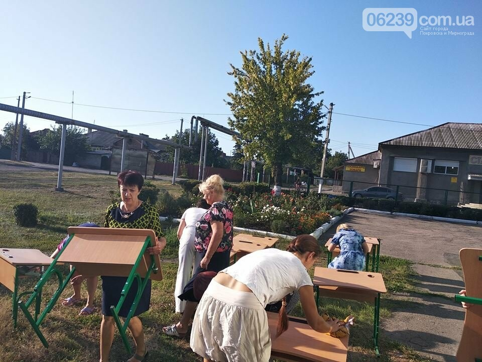 С нового учебного года первоклассники Мирнограда будут учиться за новыми партами  , фото-3