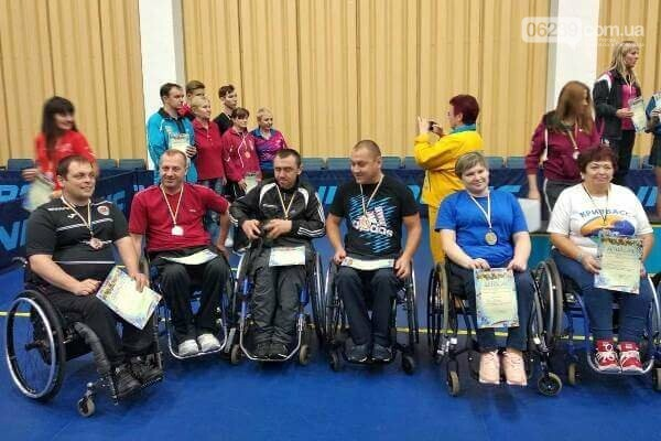 Впервые спортсмены из Покровска получили медали на Чемпионате Украины по настольному теннису, фото-2