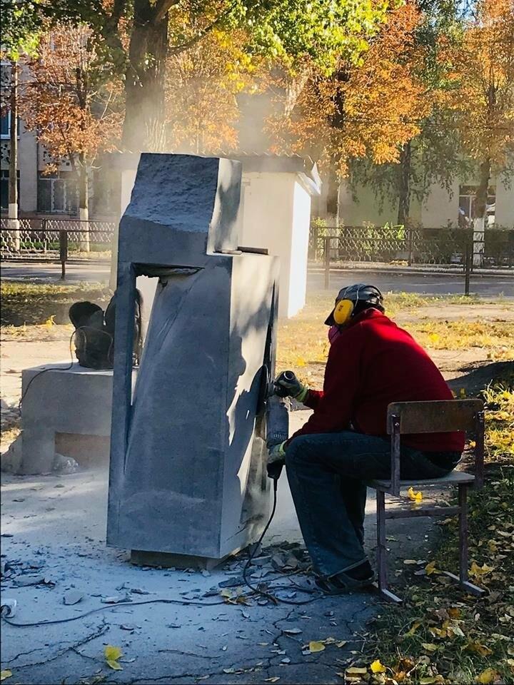 Восемь скульпторов из Украины, Беларуси и Греции создают скульптуры для Покровска, фото-5