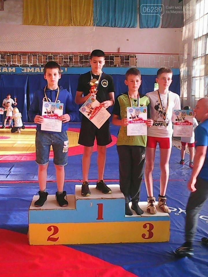 На соревнованиях по вольной борьбе в Харьковской области мирноградские спортсмены завоевали 2 призовых места , фото-2