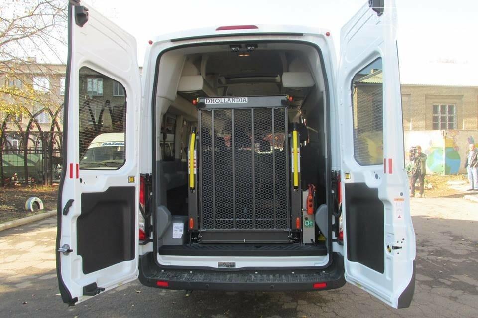 В Покровском реабилитационном центре появился новый микроавтобус для перевозки инвалидов, фото-2