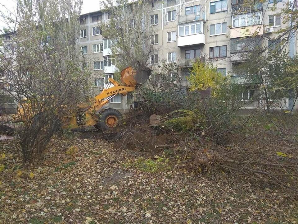 В Мирнограде убирают стихийные свалки, фото-3