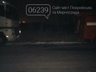 Ночью спасатели Покровска освобождали из снежного плена грузовой автомобиль, фото-2