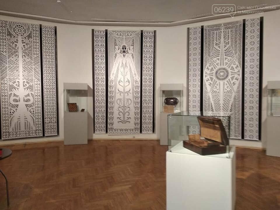 Руслан Требушкин пригласил покровчан посетить выставку «Маэстро Рождества», фото-3