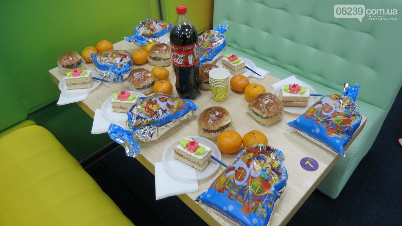 Активные предприниматели Покровска организовали праздник для детей из приютов, фото-2