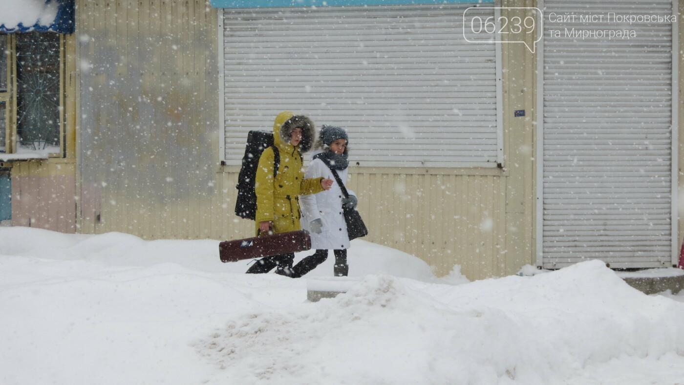 В Покровске с утра снегопад… работают коммунальщики и техника, фото-15