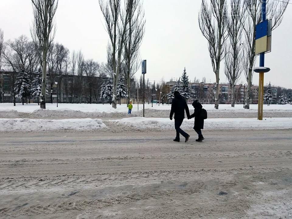 Попереджувальні манекени на дорогах Покровська: навіщо та де , фото-2