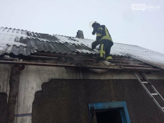 На щастя без жертв: у Покровському районі сталася пожежа у житловому будинку, фото-1