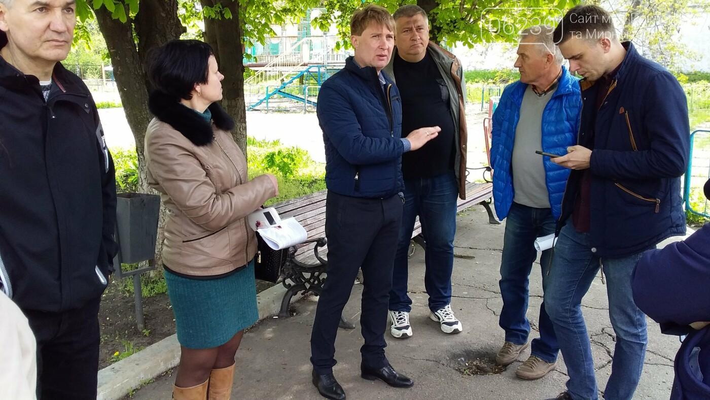 Мэр Мирнограда проинспектировал работы по реконструкции парка им.Гагарина, фото-4