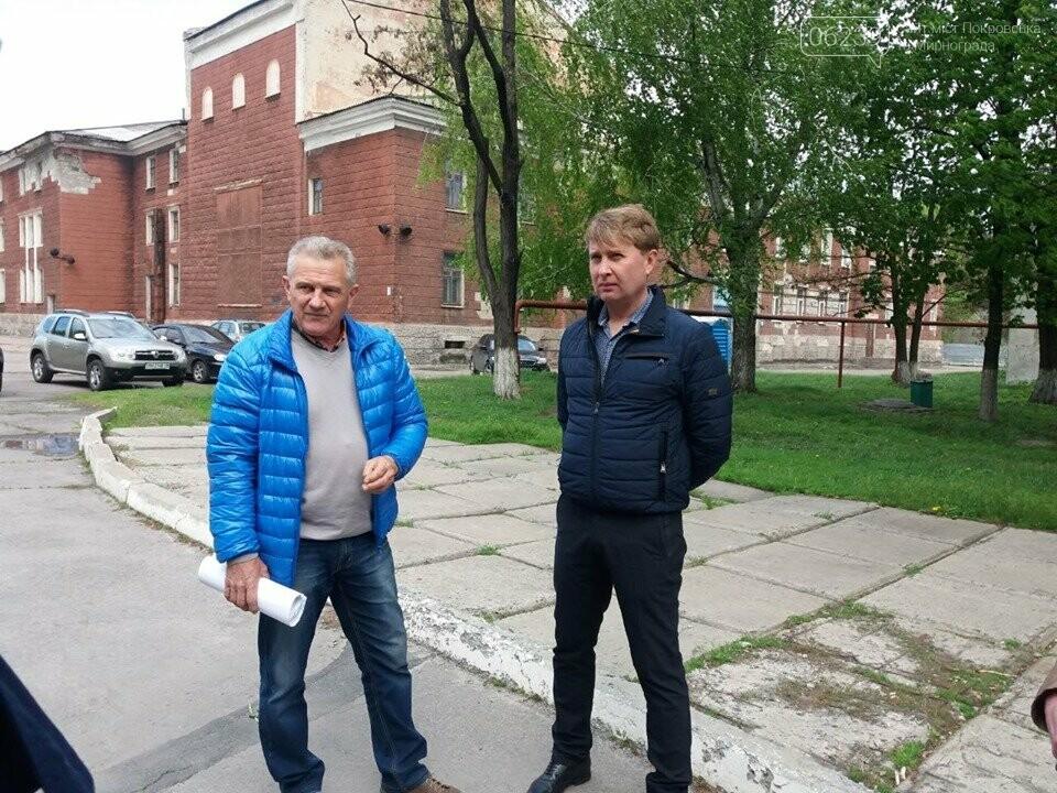 Мэр Мирнограда проинспектировал работы по реконструкции парка им.Гагарина, фото-7