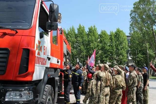 У Покровську рятувальники познайомили учасників гри «Джура» з особливостями роботи вогнеборців, фото-2