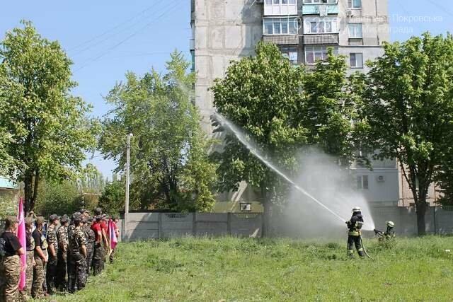 У Покровську рятувальники познайомили учасників гри «Джура» з особливостями роботи вогнеборців, фото-3