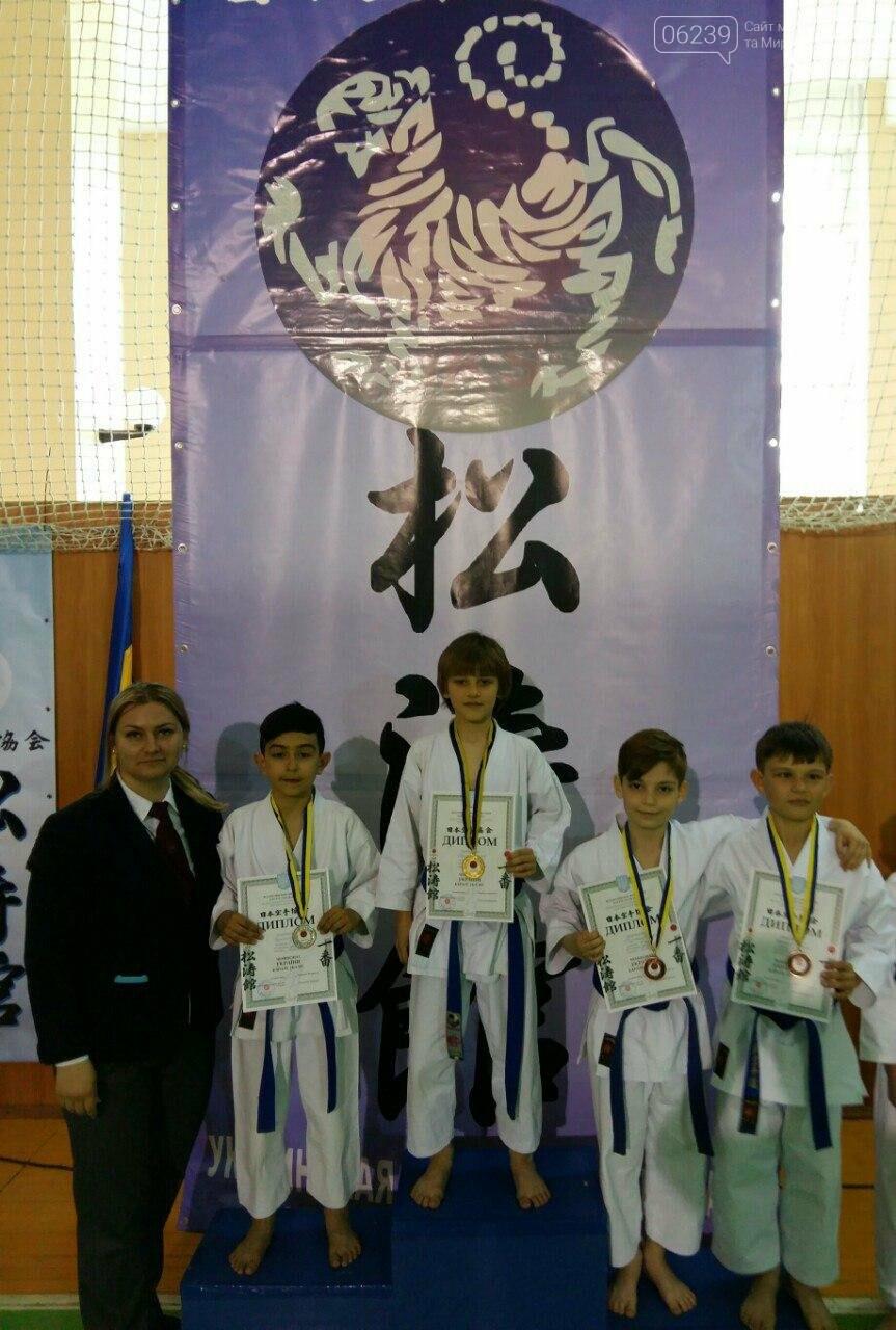 Команда Мирноградської асоціації карате здобула 8 призових місць на відкритому Чемпіонаті України з карате, фото-2
