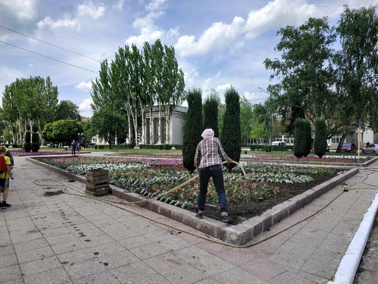 В Покровске на площади Шибанкова проходит подготовка ко Дню Европы, фото-4