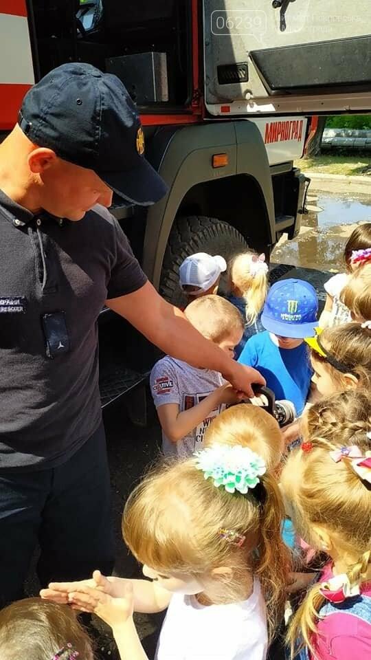 До рятувальників Мирнограда завітала малеча на пізнавальну екскурсію, фото-3