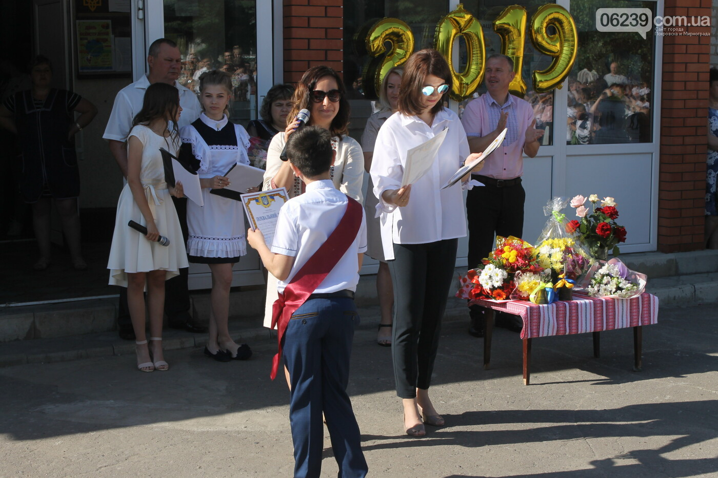 У школах Родинського пролунав останній дзвоник , фото-39