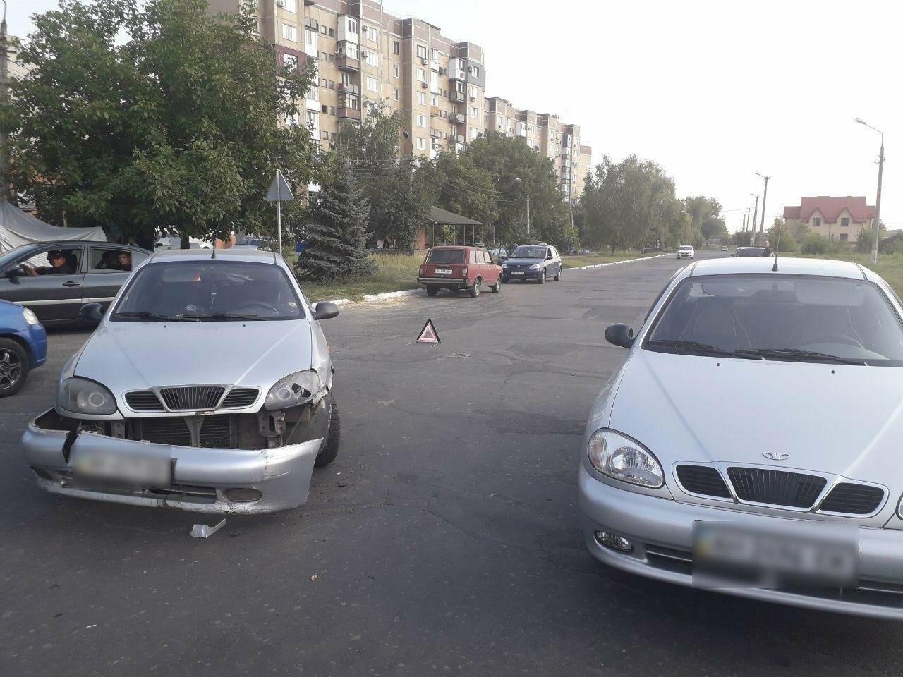 """В Покровске столкнулись два """"Ланоса"""" (ФОТО), фото-1"""