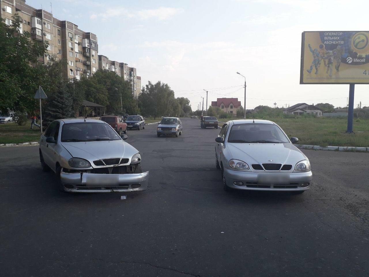 """В Покровске столкнулись два """"Ланоса"""" (ФОТО), фото-4"""