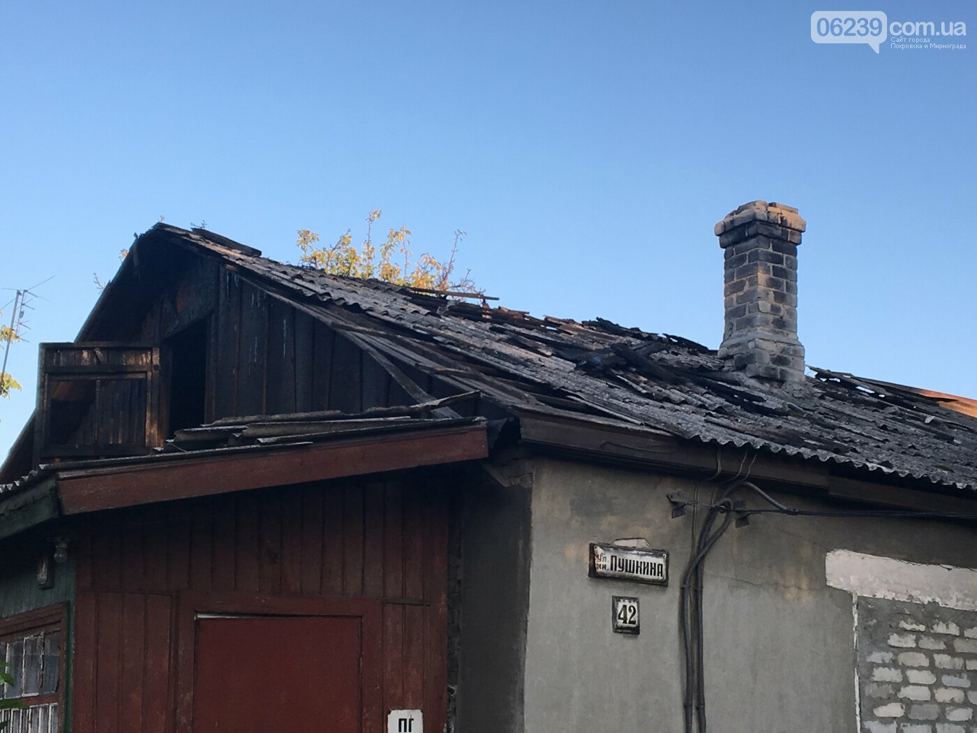 В Родинском сгорело 72 квадратных метра крыши жилого дома, фото-2