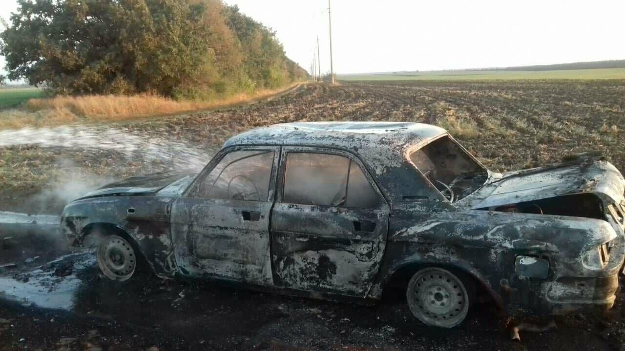Утренний пожар: в Покровском районе сгорел автомобиль (ФОТО), фото-3