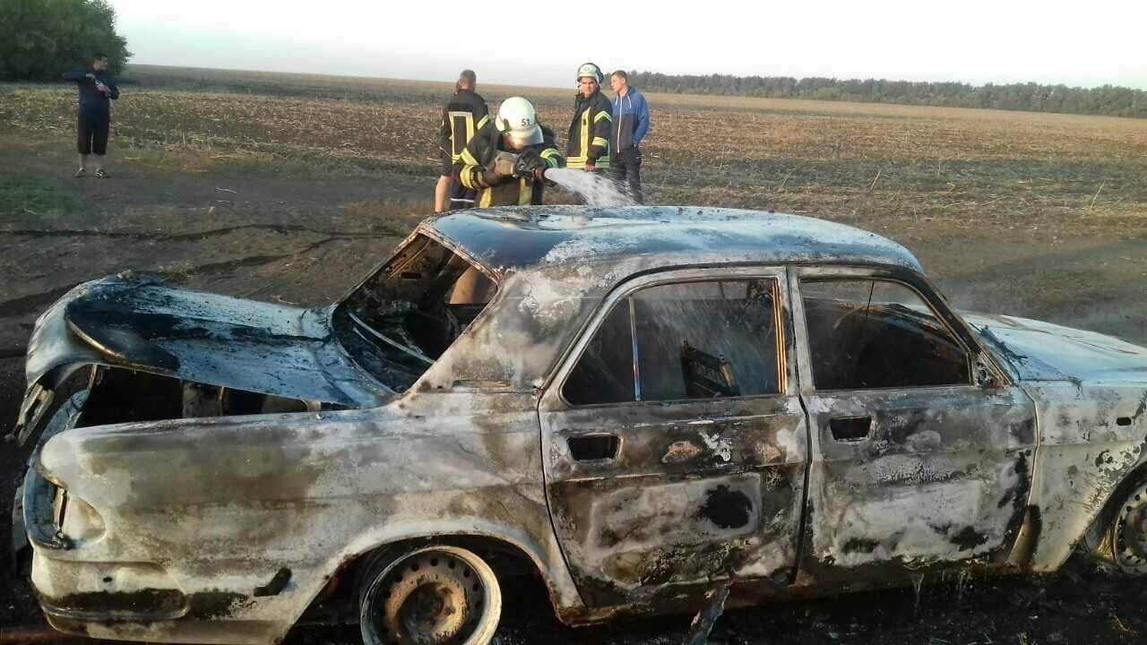 Утренний пожар: в Покровском районе сгорел автомобиль (ФОТО), фото-6