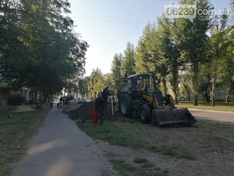 """В Покровске на """"Шахтерском"""" продолжается ремонт теплотрассы, фото-2"""