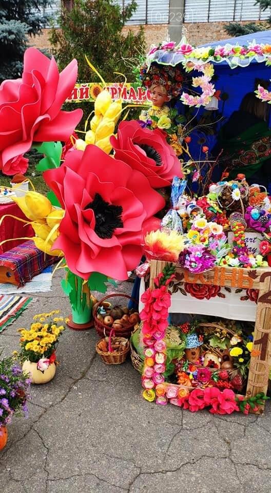 Традиційний вересневий ярмарок «Мирноградська осінь» вже став візитівкою Мирнограду, фото-3