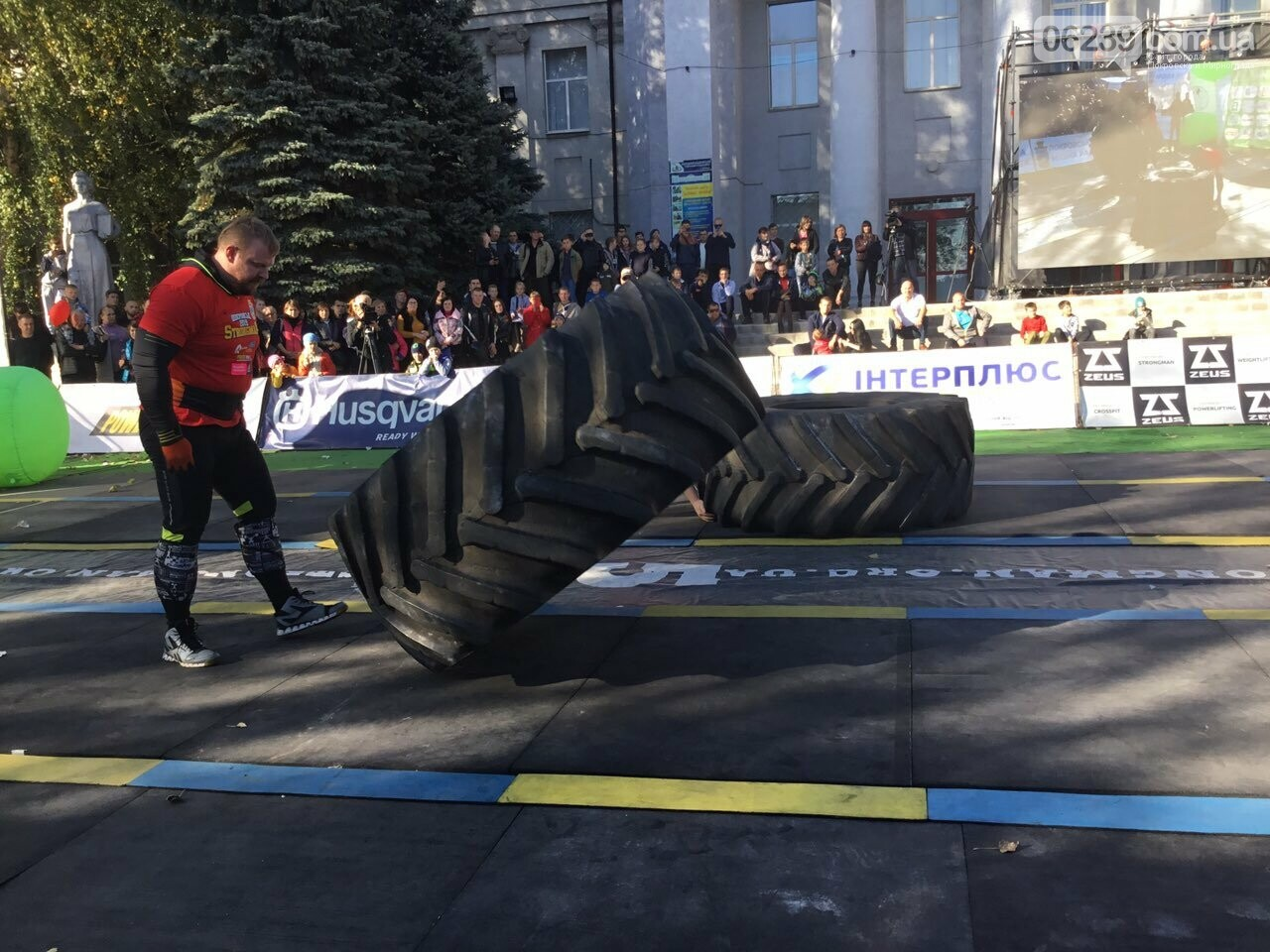 В Покровске на площади Шибанкова проходят соревнования лучших стронгменов страны, фото-17