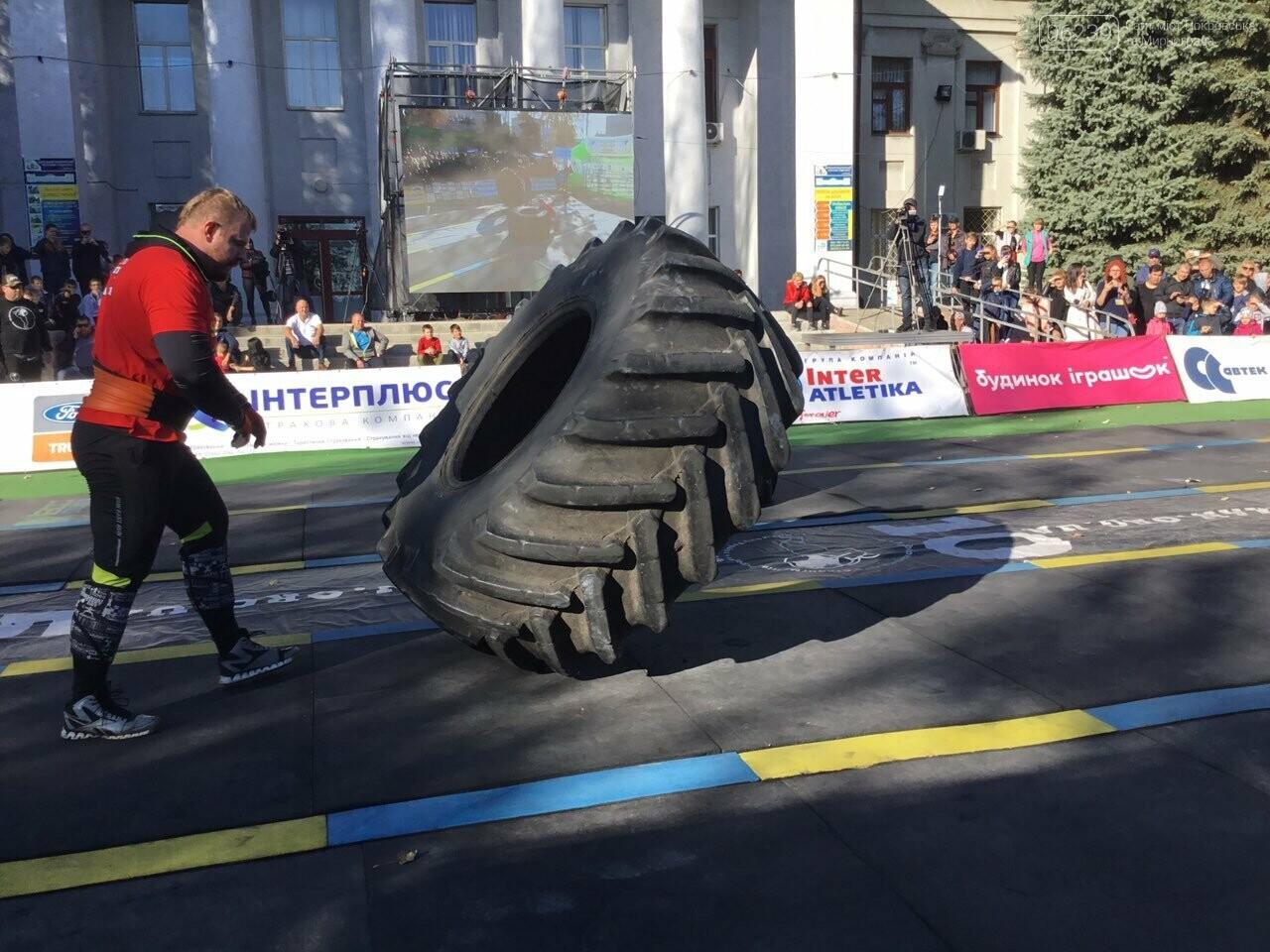 В Покровске на площади Шибанкова проходят соревнования лучших стронгменов страны, фото-12