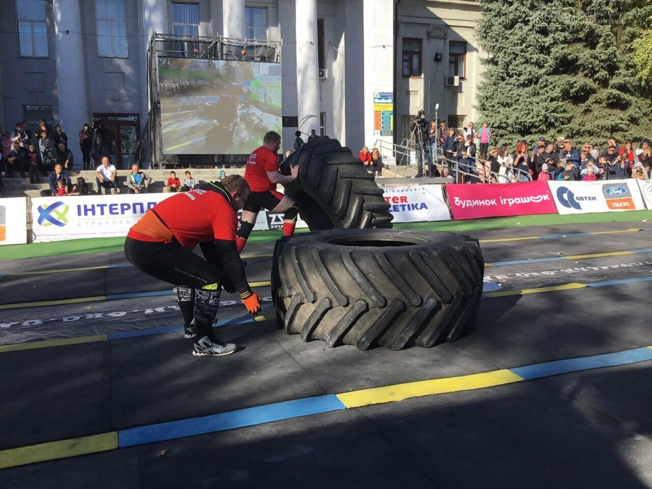В Покровске на площади Шибанкова проходят соревнования лучших стронгменов страны, фото-13