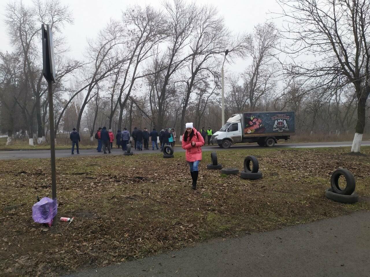 В Родинском жены шахтеров и горняки вновь вышли на акцию протеста, фото-3