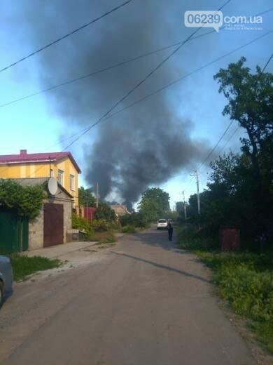 Спасательные части трех городов тушили вчера пожар в Покровске, фото-2