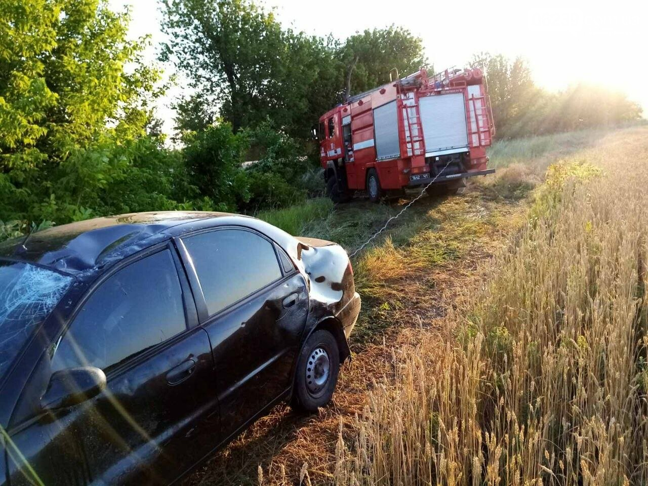 Между Покровском и Мирноградом автомобиль попал в дорожную ремонтную яму , фото-6