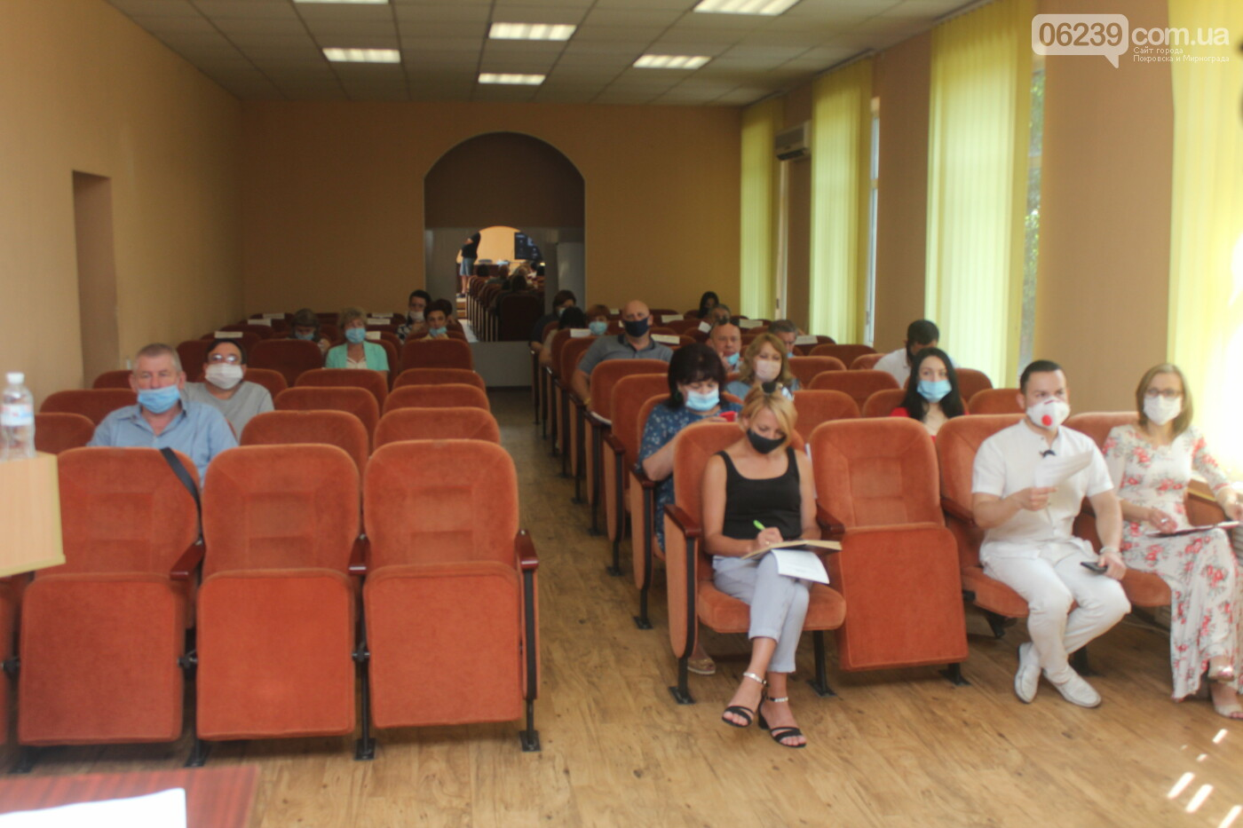 Изменения в бюджете и передача продуктов на баланс местной больницы: в Мирнограде состоялась очередная сессия горсовета, фото-2