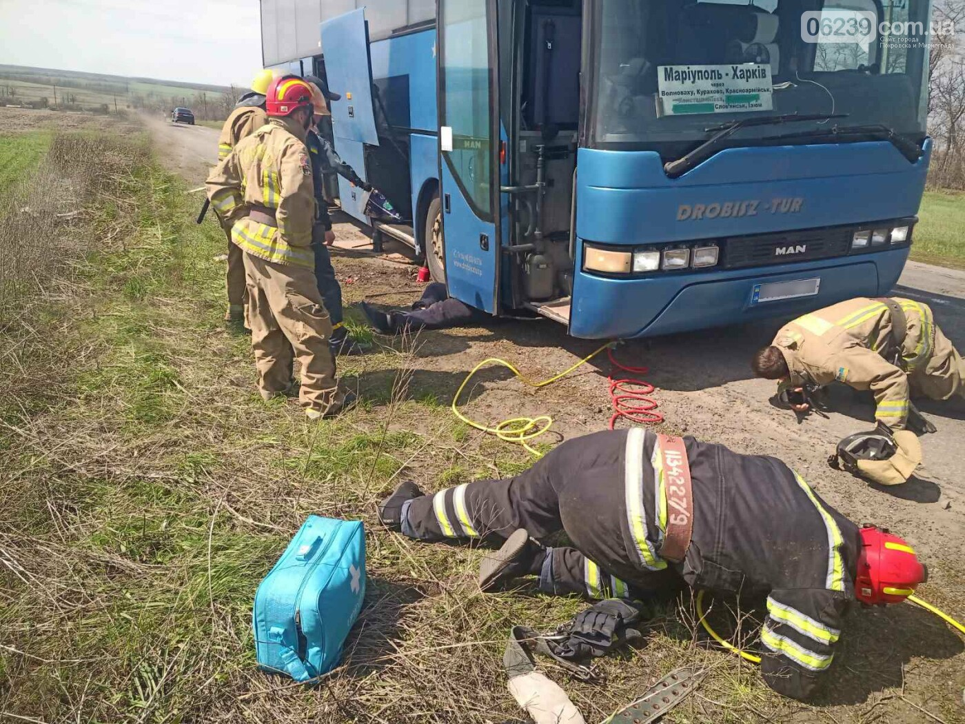 Просел грунт: на Донетчине водителя насмерть придавило автобусом во время ремонта (ФОТО), фото-1