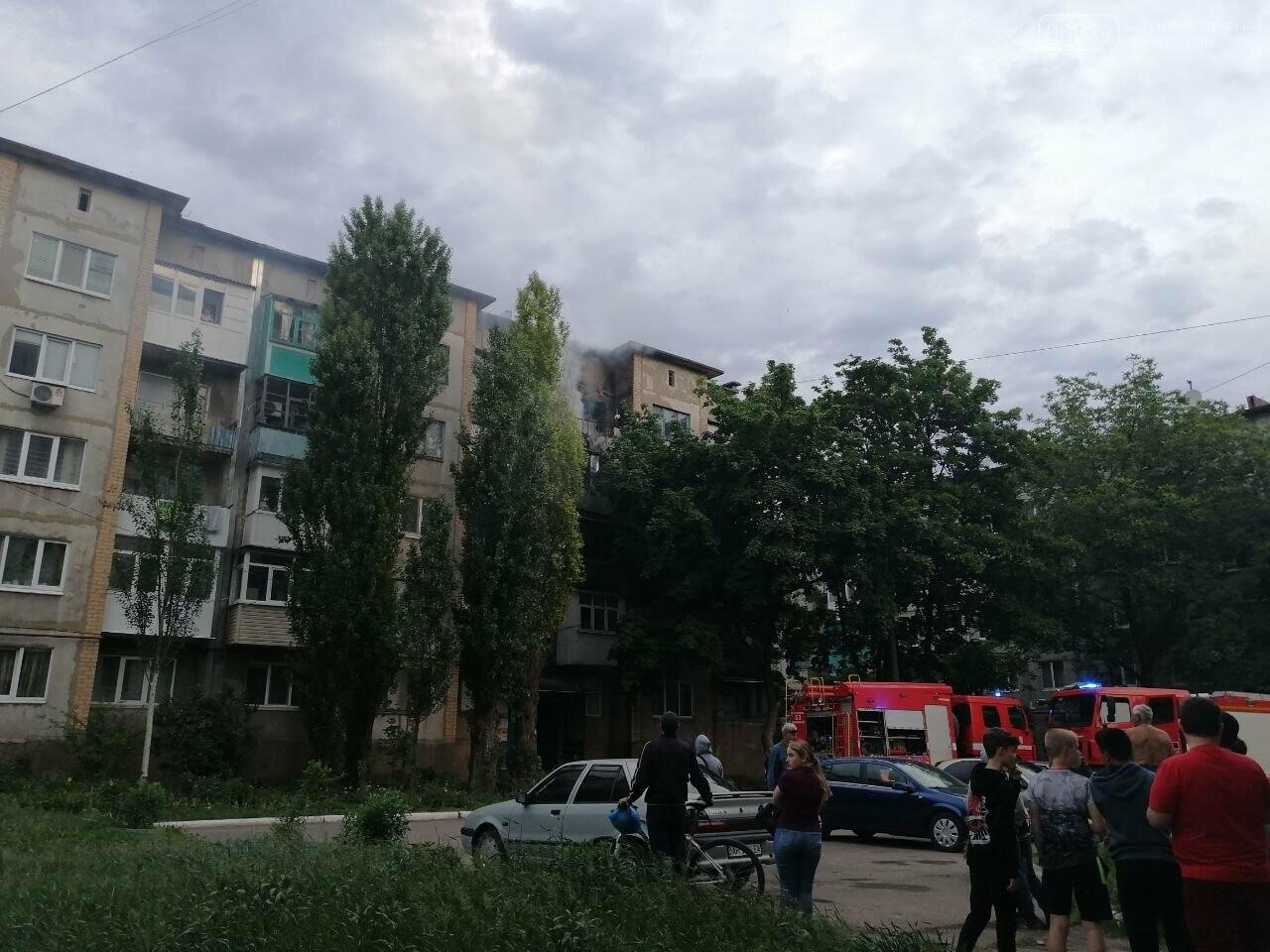 Вчера в Покровске горел балкон в пятиэтажке, фото-4