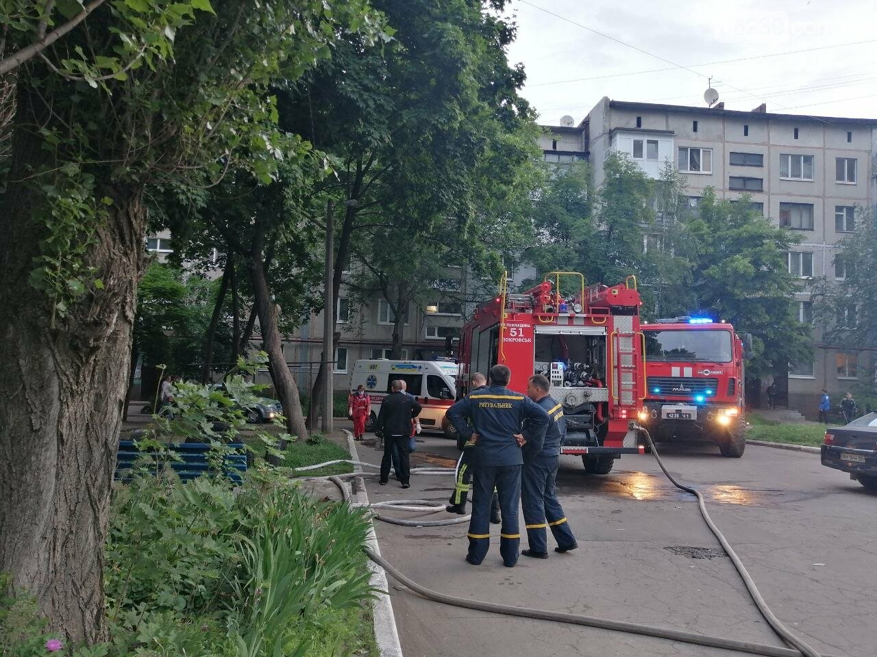Вчера в Покровске горел балкон в пятиэтажке, фото-5