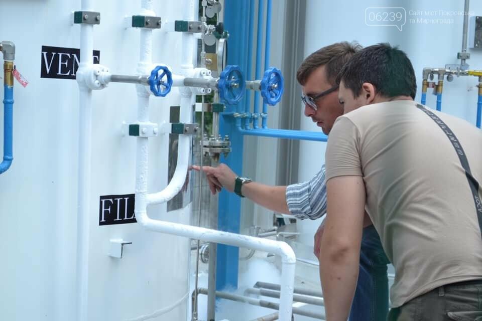 В Покровске оксигенную подстанцию заполнили первой партией жизненно необходимого газа, фото-2