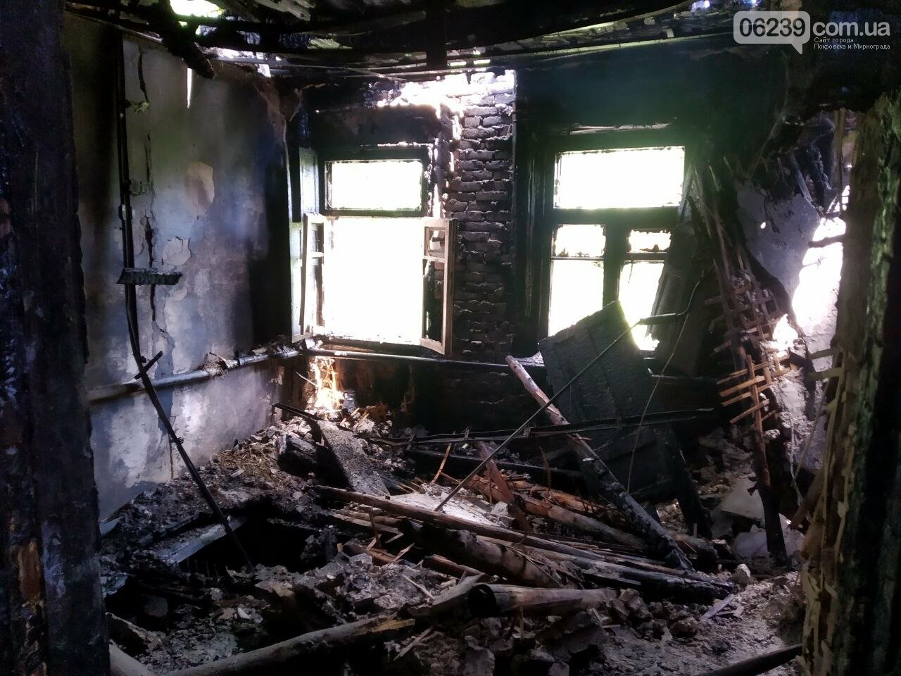 В Мирнограде горел жилой дом, фото-6