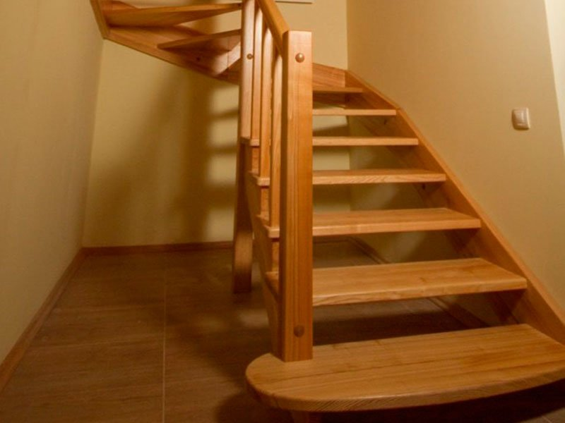 Лестницы из натурального дерева, фото-3
